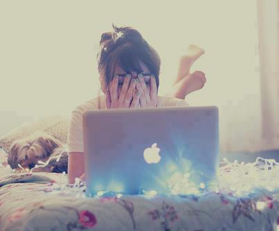 آحلى مآ في آلسّهر ♥ ♥ ان كنتَ مع حبيبَك .. و تُقآوم نومك [ فقط ] لآنك تحُبهُ ♥