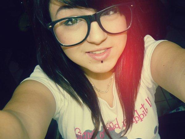 Twitter & Facebook  ! ♥