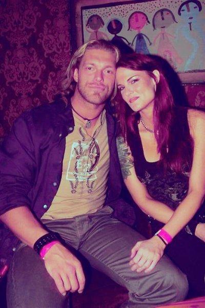 Edge parle de Lita dans une interview