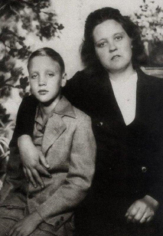 Gladis et elvis a tupelo 1948
