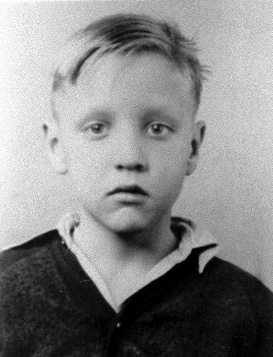 Elvis 1942
