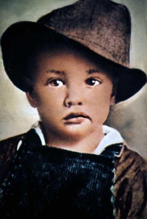 Né le 8 janvier 1935 a tupelo mississippi U.S.A