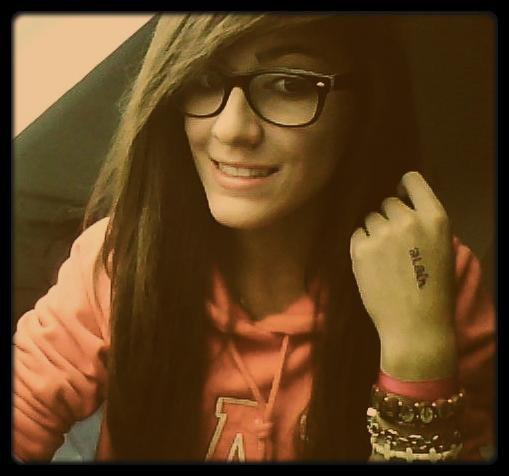 ☮ !Garde le sourire, dans la vie y'aura toujours pire.. !.♥ †