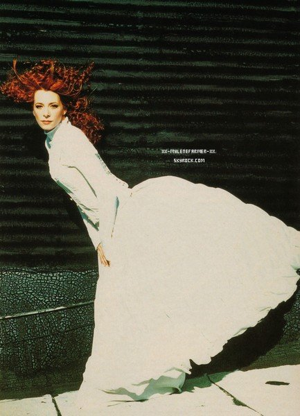 "Mylene Farmer : Interview 5 Avril 1999 "" Mylene lève le voile """