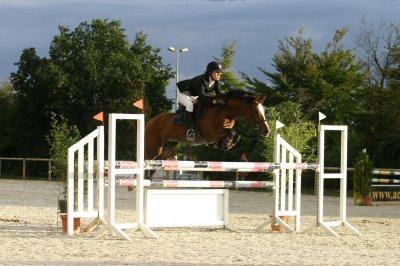 Quelques belles photos de POMPADOUR SPONTE lors du NORMANDIE HORSE SHOW où elle a affronté les meilleurs.....