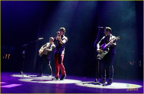 Les Jonas au Radio City Music Hall à New York le 11 octobre