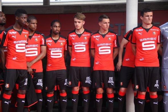 Rennes dévoile ses nouveau maillots