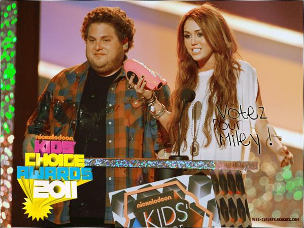 Votez Pour Miley aux Kids Choice Awards! (Cliquez sur l'image pour voter)
