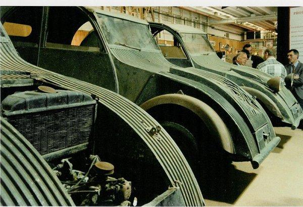 Prototypes de 2CV d'avant 1939, avec le radiateur de refroidissement par eau.