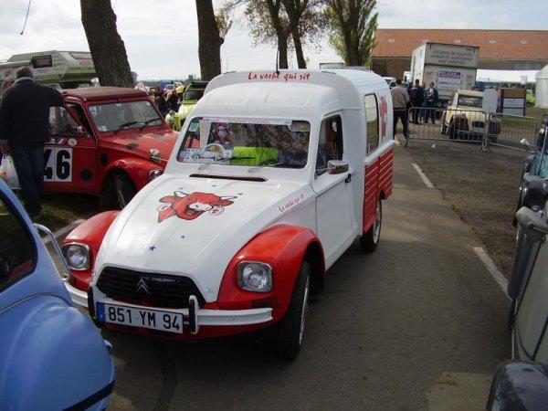 """Citroën 2CV AZU """"La vache qui rit"""