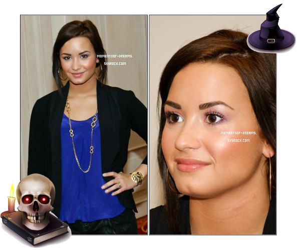. 25.10.2010. Demi à une conférence de presse à San José au Costa Rica.Ton avis ?
