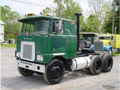 mack f795st this old truck on 73 is for sale in usa 5200