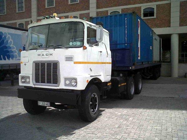 Mack F700  Cape Town / Western Cape