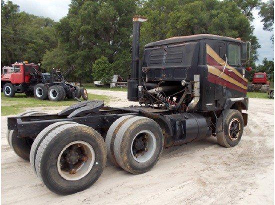 1979 MACK F700     US $6,500