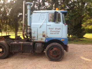 1975 MACK F 78 Cab over - $4500
