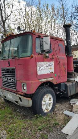 1979 Mack Cab-Over - $5000 (Cleveland)