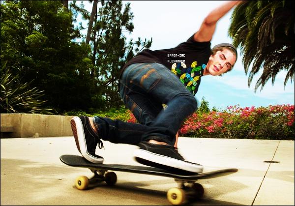 Voici un photoshoot  coup de coeur de Zac Efron  réalisé par MICHAEL LAVINE   pour Hsm 3 en  2008. Vous aimez ??!