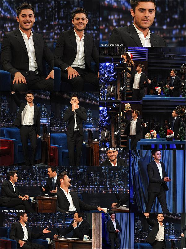 07/12/2011 : Zac Efron quittant son Hotel pour se rendre à la premiere de son film . à New York .   07/12/2011 : Beau comme tout , Voici notre Beau Zac à la premiere de son film NYE. à New York.   07/12/2011 : Zac a aussi fait une apparition sur le plateau de «Late Night with Jimmy Fallon» Top?