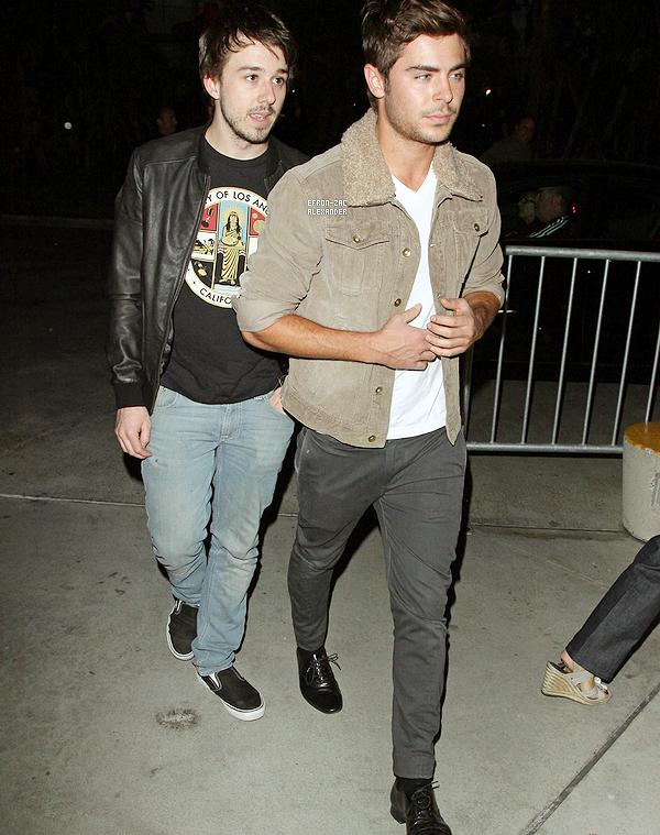 10/01/2012 : Zac accompagné d'un ami , ont été voir le match des lakers au Staples Center à Los Angeles.