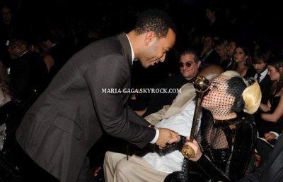 Lady Gaga lors des Grammy Awards 2012 !