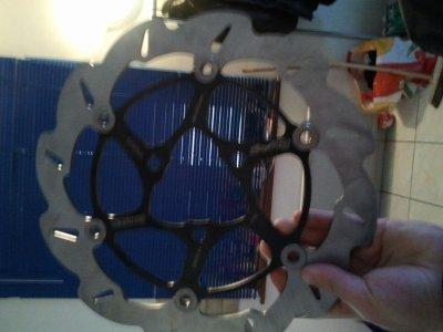 disque stage rt 280mm une super piece lier avec sont etrier sa fraine fort