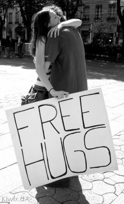 フリーハグズ (Furî Haguzu) : Free Hugs : création japonaise ????