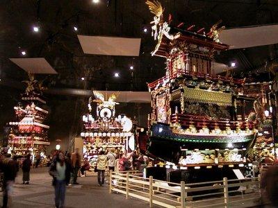 14 et 15 Avril ~ Takayama matsuri : Défilé de chars décorés (Takayama, préfecture de Gifu)