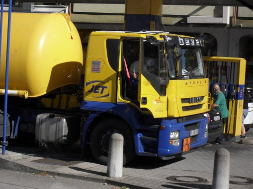 :-)   IVECO   in FRANC  :-)