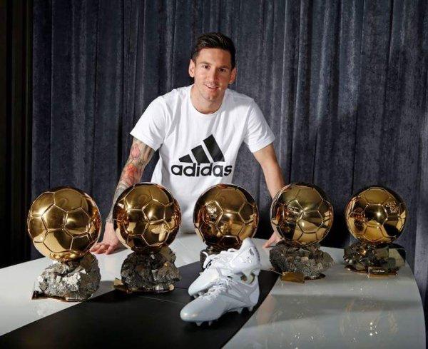 Le roi léo , le best bravoooo au meilleur joueur du monde ⚽⚽⚽⚽⚽