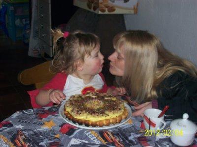 ma princesse fete ses deux ans avec les personne quelle aiment le plus