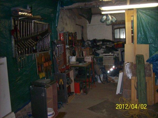 garage de mon homme en debut de rangement