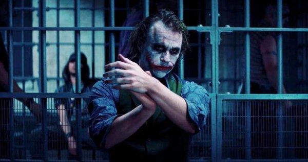 il n'y aura surement plus de joker dans les futurs batman!!!! :(