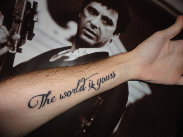 tatouage the world is yours