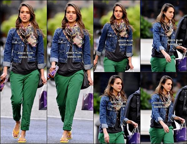 """.  07/05/2012 : Notre Jessica Alba ses rendu comme prévus au célèbre événement du """"Met Ball 2012"""". ."""