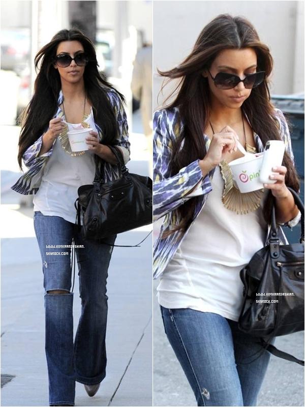 * Le 31 Aout 2010 : Kim sortant de chez elle pour se rendre Jay Leno Show. Voici la Partie 1 & La partie 2 :) *