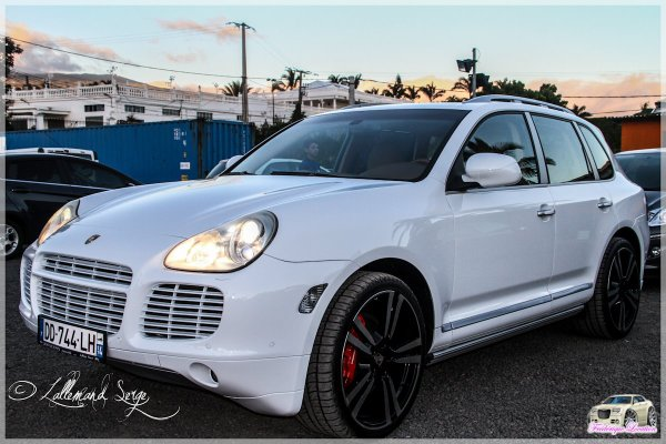 location voiture mariage reunion 0692 54 93 58 porsche cayenne location voiture mariage. Black Bedroom Furniture Sets. Home Design Ideas
