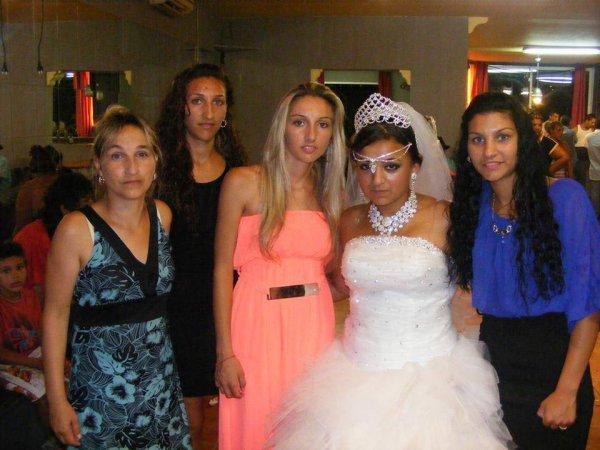 nosotras con la novia