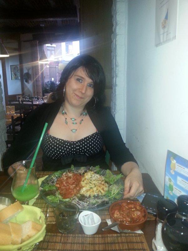 moi et mon amour au restaurant trop belle tof jtaime tres fort