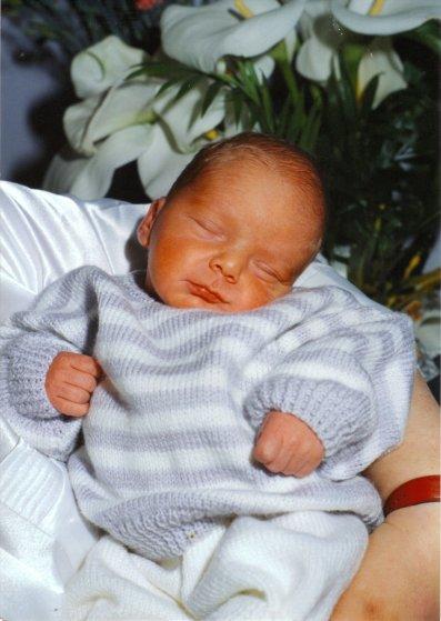 mon doudou 4 jours aprés sa naissance je t'aime mon petit prince tu me manques