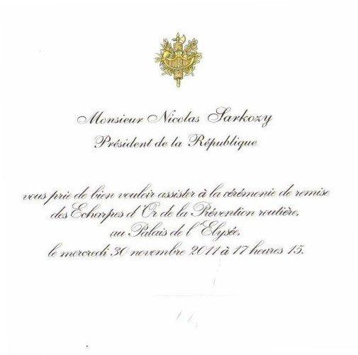 Je serai Mercredi avec mon fils romain à l'invitation du Chef de l'état au Palais de l'élysée pour la remise des écharpes d'or .