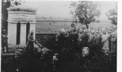 rare photos du cimetière de Baranzy , inauguré par les Allemands
