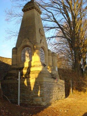 nouvelles photos, a Ethe sur et autour du monument , hommage aux soldats Français tombés en cette terrible journée du 22 aout 1914