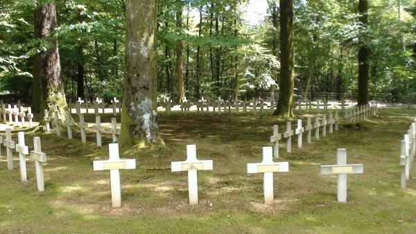 cimetière militaire Français 14-18 le plateau Rossignol