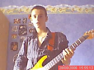 my god is john frusciante , my religion is the red hot chili peppers! john john john FRUSCIANTE!!!