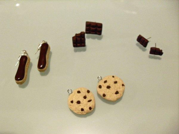 éclaire au chocolat, cookies, et tablette de chocolat
