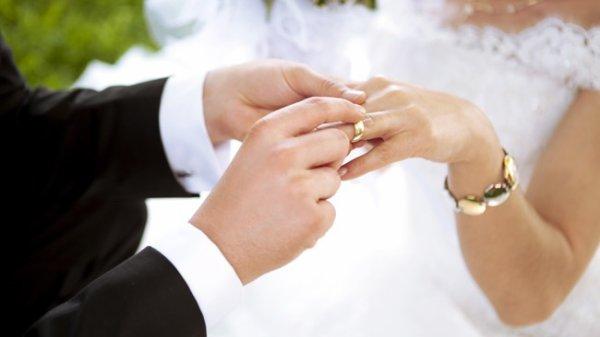 Ceux qui se marient sans amour vivent toujours dans la douleur.