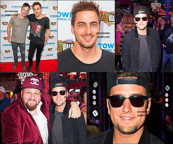""".07/08/14 : Kendall et Logan était présent lors de l'événement Universel CityWalk 'music spotlight series"""". J'aime beaucoup leur tenue je leur accorde aux deux un très grand TOP. Ils avaient également le sourire sa fait plaisir. ."""