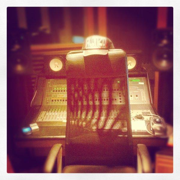 Je vais mourir en studio par overdose...