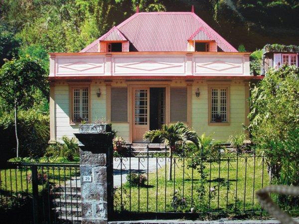 La reunion case creole traditionnelle octobre 2008 for Plan maison creole traditionnelle