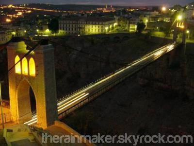 La Ville Des Ponts Suspendus